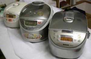 様々な炊飯器での炊き比べなどもしています。